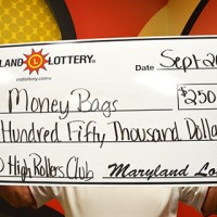 $250,000-$250,000 High Rollers Club_Money Bags_web